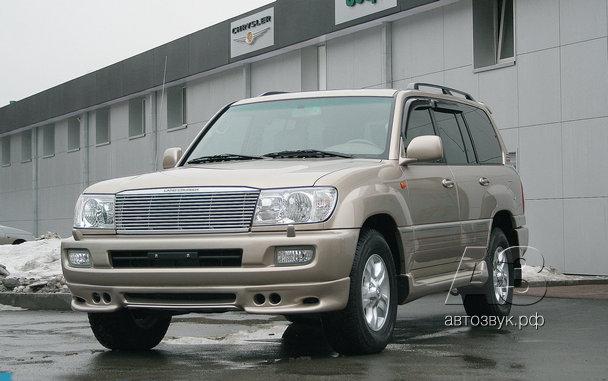 Мультимедийная система в Toyota Land Cruiser 100