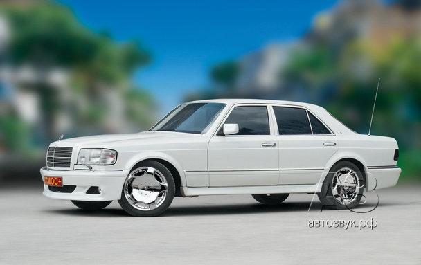 Мультимедийная система в Mercedes 420S (W126)