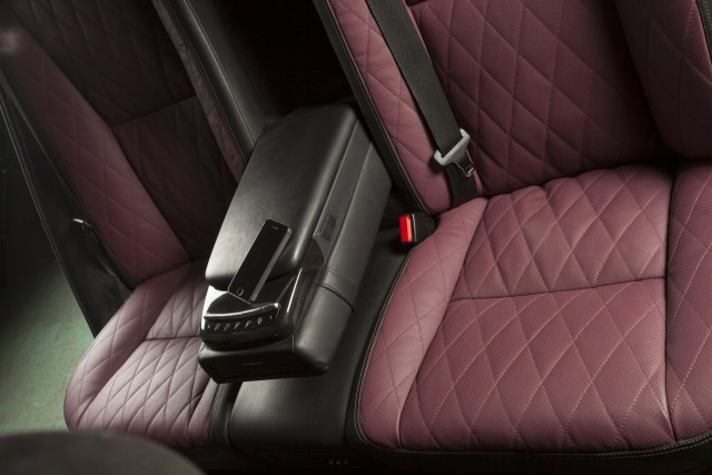mb221_rearseat