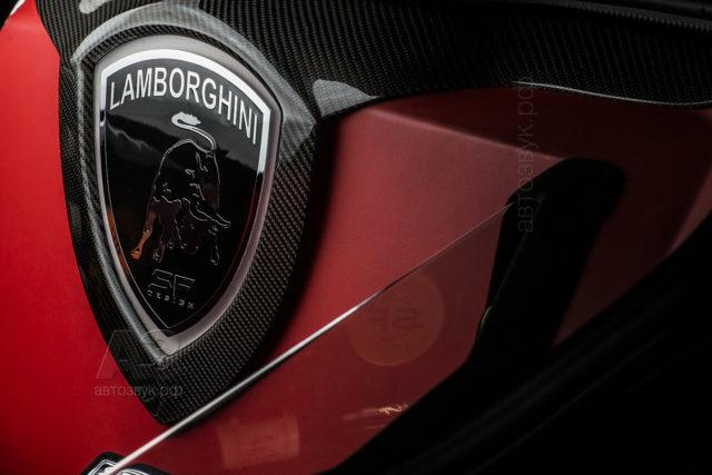 Аудиосистема в Lamborghini Aventador LP750 SV