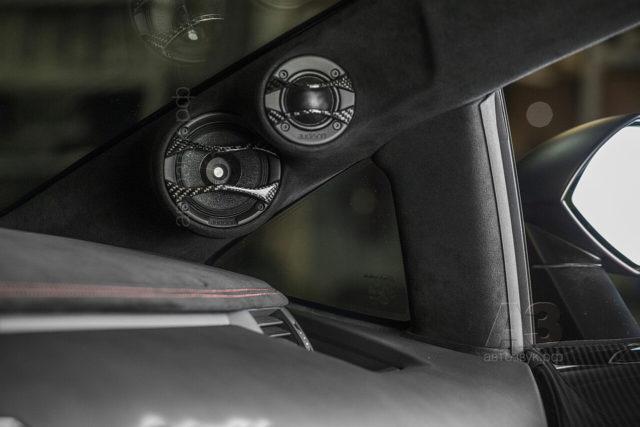 Lamborghini_50front4
