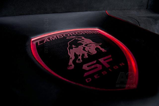 Lamborghini_70sub4