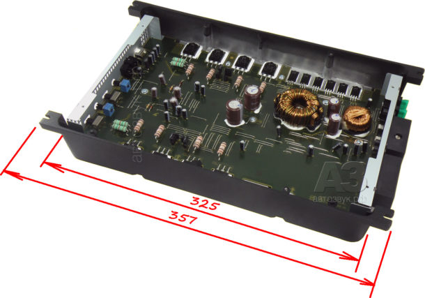 Pioneer_GM-A5702_02_inside